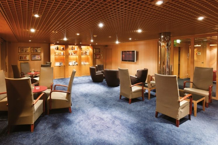 Costa neoRiviera Lounge