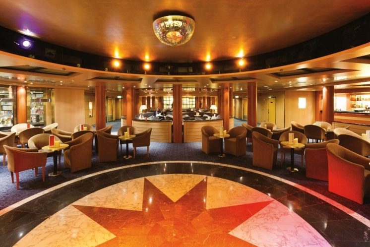 Costa neoRiviera Bar