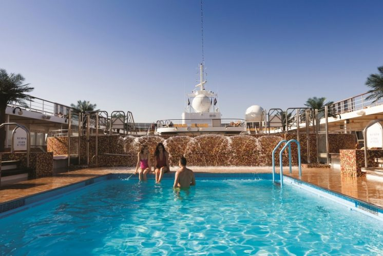 Costa neoRiviera Pool