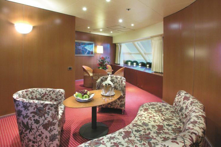 Costa Victoria Suite