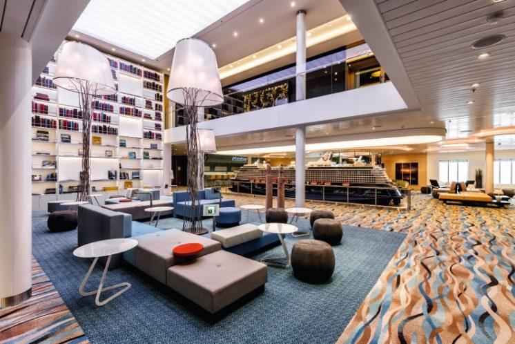 TUI Cruises Mein Schiff 4 Bibliothek
