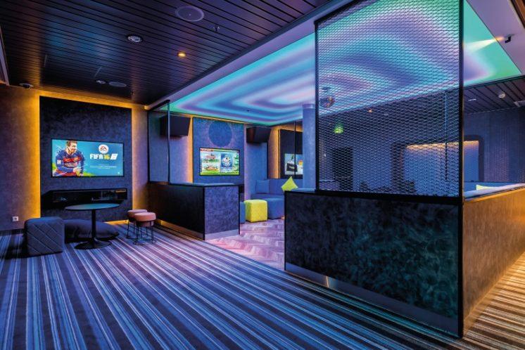 TUI Cruises Mein Schiff 5 Teenslounge