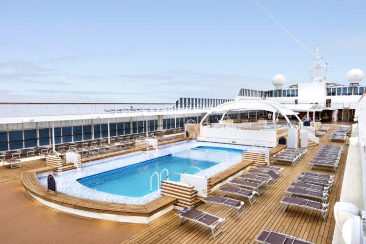 MSC Armonia Pool