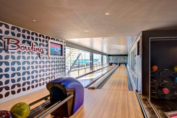 MSC Grandiosa Bowlingbahn