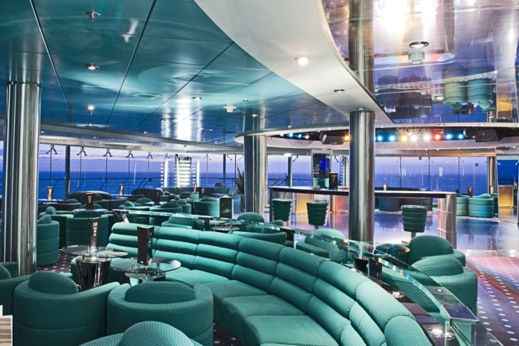 MSC Lirica The Blue Club
