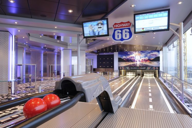 MSC Magnifica Bowling