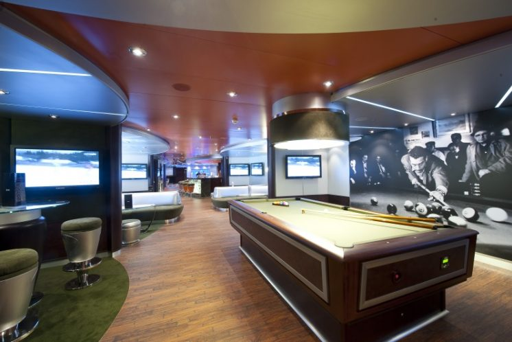 MSC Magnifica Bar