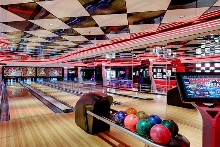 MSC Seaview Bowlingbahn