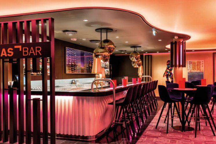 Neue Mein Schiff 1 Lumas Bar