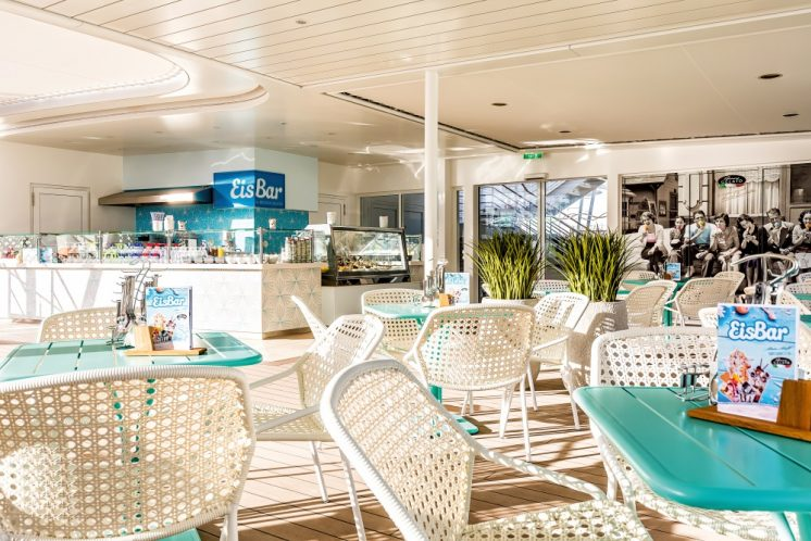 TUI Cruises Mein Schiff 2 Eisbar