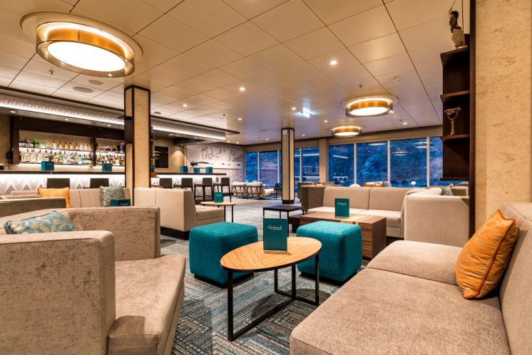 TUI Cruises Mein Schiff 2 Lounge