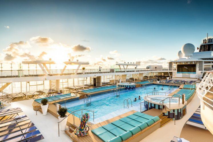 TUI Cruises Mein Schiff 2 Pool