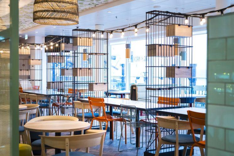TUI Cruises Mein Schiff 2 Restaurant Tag und Nacht Bistro